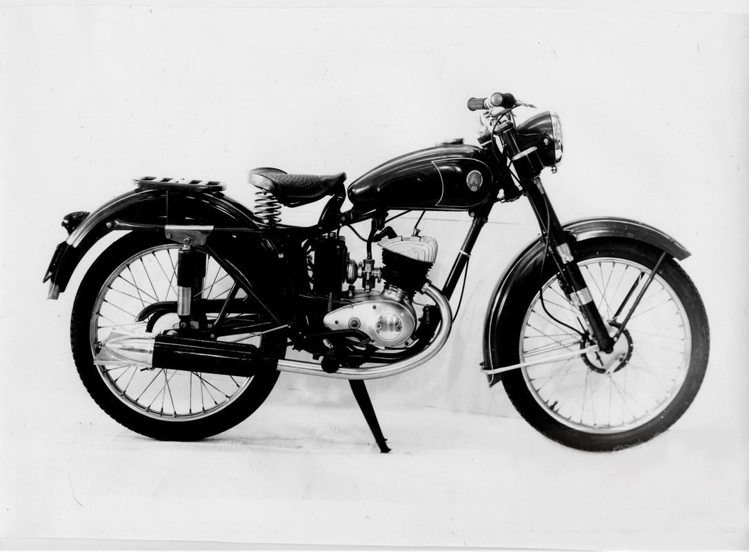 موتورسیکلت های ایژ-55